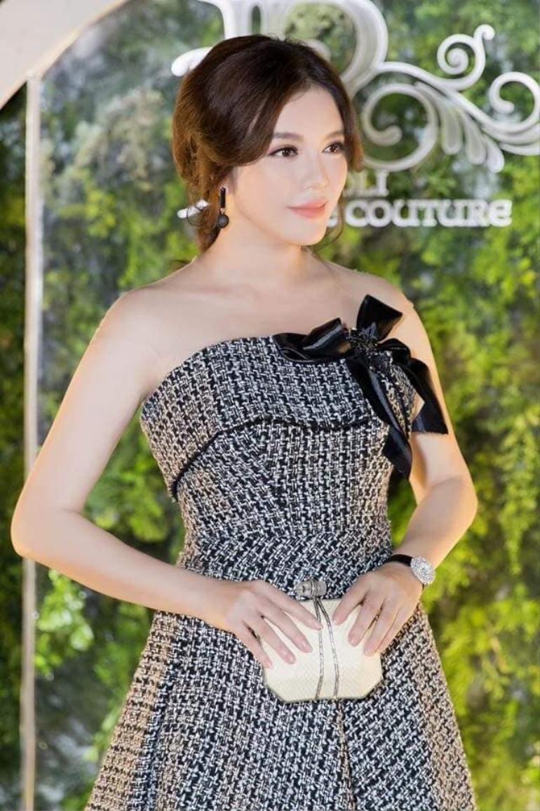 Giàu có, xinh đẹp nhưng vẫn ế, Lý Nhã Kỳ 'nôn nóng tuyển chồng' nhất trong dàn mỹ nhân Việt Ảnh 2