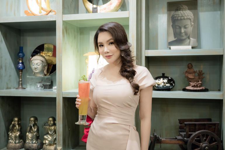 Giàu có, xinh đẹp nhưng vẫn ế, Lý Nhã Kỳ 'nôn nóng tuyển chồng' nhất trong dàn mỹ nhân Việt Ảnh 3