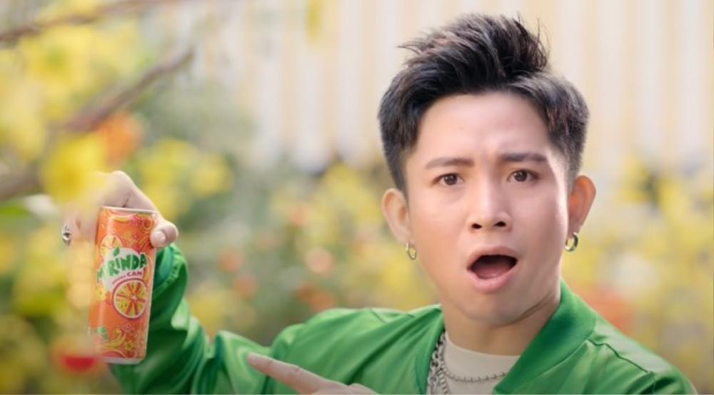 Chuyện ngược đời: Trúc Nhân lần đầu tiên trổ tài rap, Ricky khoe giọng ấn tượng trong MV Tết collab của cả 2 Ảnh 6