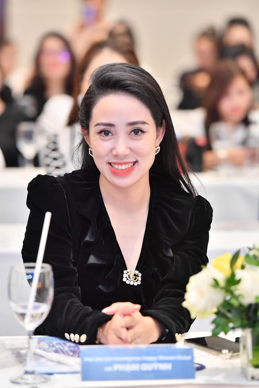 Nữ doanh nhân Phạm Quỳnh xuất hiện cùng Hoa Hậu Hương Giang Ảnh 5