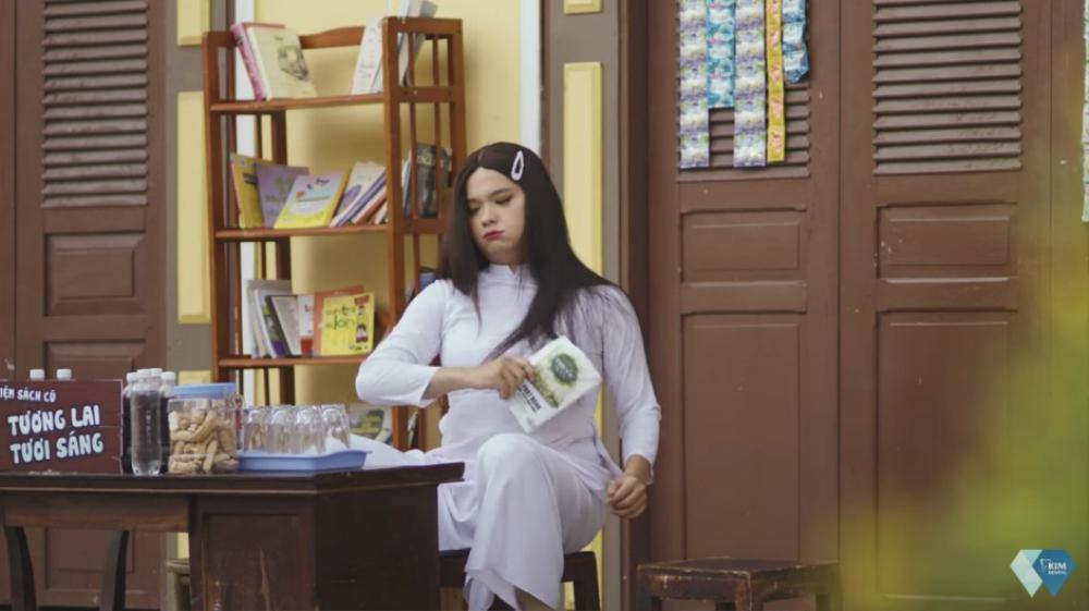 Khả Như dẹp tiệm nail, 'rap battle' cùng chị Ca Nô gây rối loạn phố phường Ảnh 3
