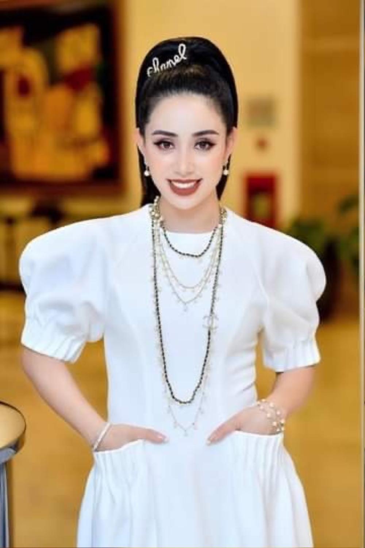 Phạm Quỳnh - Nữ doanh nhân sở hữu gout thời trang ấn tượng không kém fashionista Ảnh 7