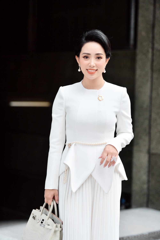 Phạm Quỳnh - Nữ doanh nhân sở hữu gout thời trang ấn tượng không kém fashionista Ảnh 3