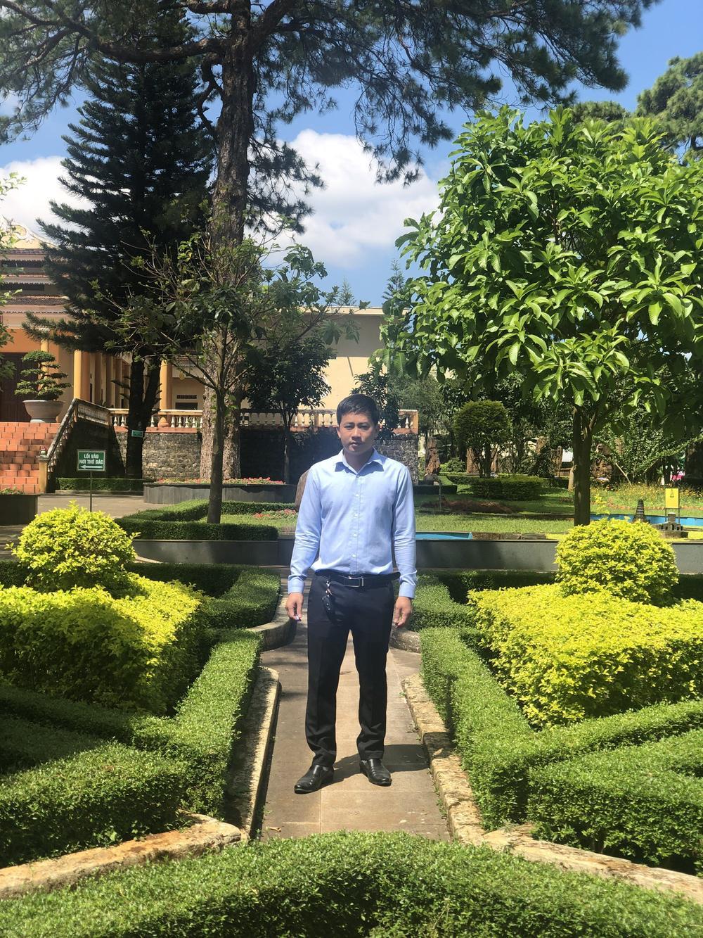 Thầy giáo Phạm Thăng Bằng sở hữu vườn lan giá trị với hơn 10.000 chậu Ảnh 4