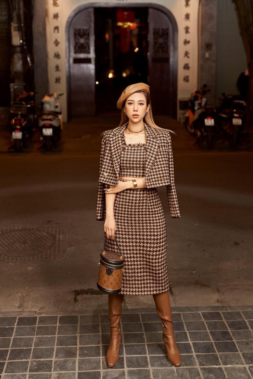 Fashion Influencer Vân Nhi: Từ cô gái nhỏ lớn lên cùng 'bụi vải' đến Hotmom 'mặc gì cũng đẹp' hướng dẫn phối đồ mà cả mấy chục nghìn người follow trên Tiktok! Ảnh 1