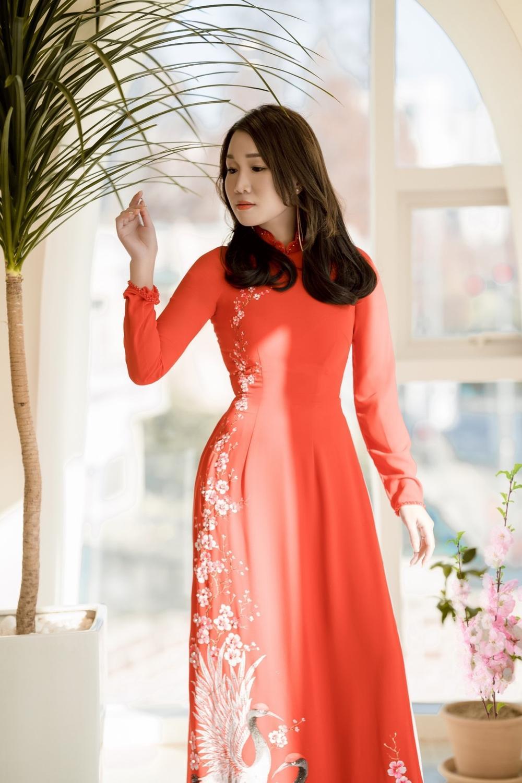 Á hậu Doanh nhân Lee YuJin thả dáng eo thon trong tà áo dài truyền thống đón xuân Tân Sửu 2021 Ảnh 6