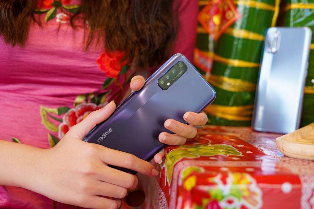 Tết Tân Sửu, Realme gợi ý những món quà ý nghĩa cho bố mẹ, cả nhà cùng vui. Ảnh 2