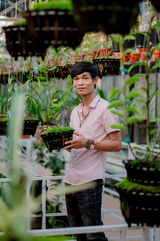 Đi từ nghèo khó, 9X Hạc Hoàng Huy thành công từ trồng hoa lan Ảnh 3
