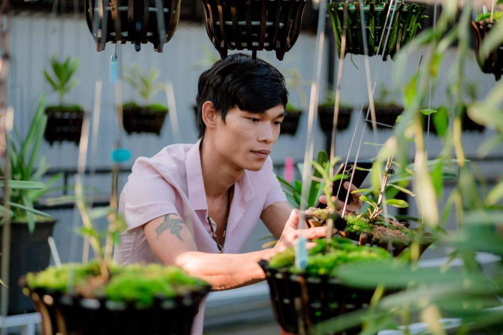 Đi từ nghèo khó, 9X Hạc Hoàng Huy thành công từ trồng hoa lan Ảnh 4