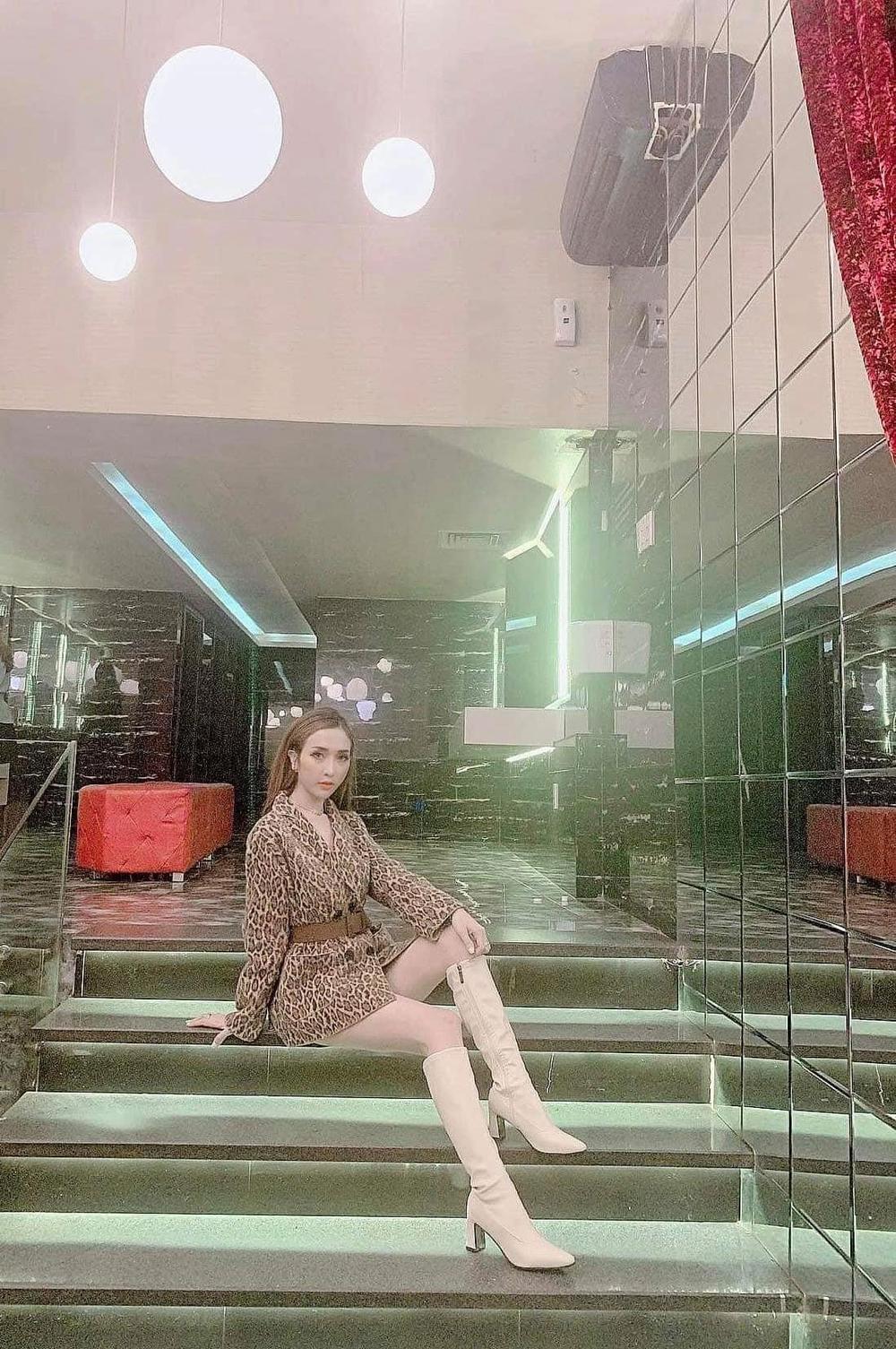 Nguyễn Hồng Boutique tái thiết lập thương hiệu Nguyễn Hồng Store Ảnh 1