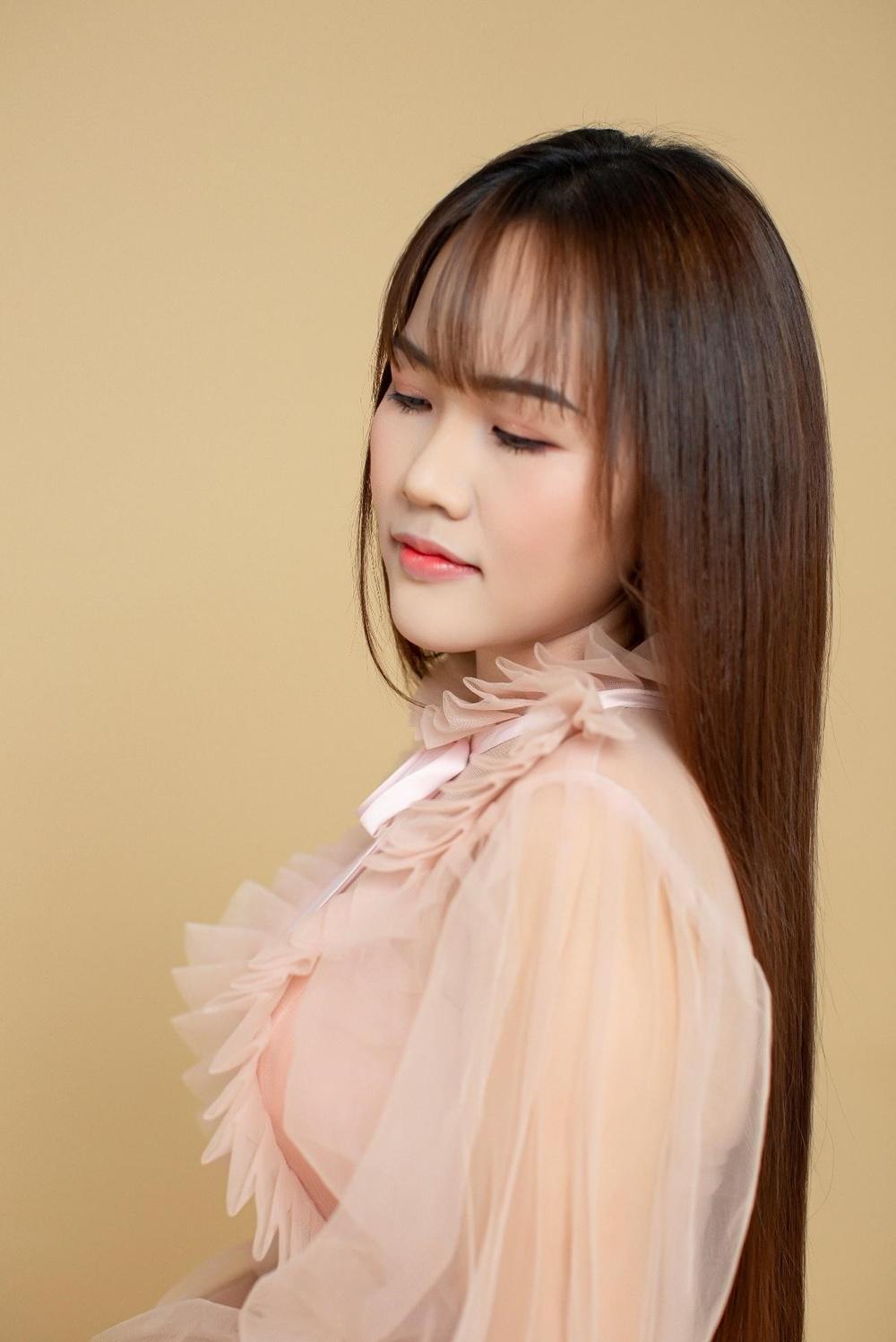 Nhà thiết kế Xuân Nguyễn - Người phụ nữ nặng lòng với truyền thống dân tộc Ảnh 1