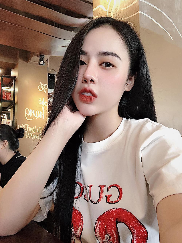 Cơ duyên dẫn lối đến với nghề kinh doanh, thiết kế thời trang của cô chủ 9x Đặng Thị Hồng Nhung Ảnh 1