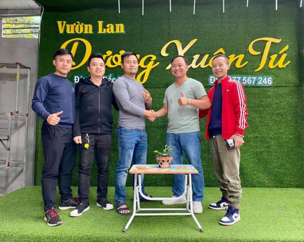 Ông chủ vườn lan Dương Xuân Tú thành công nhờ đam mê từ nhỏ Ảnh 6