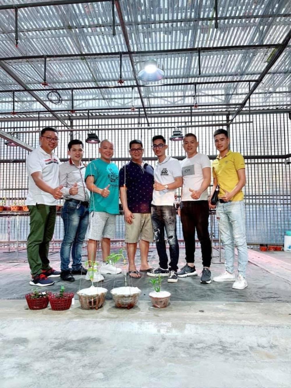 Nghệ nhân Nguyễn Văn Phương: Từ chàng DJ tới ông chủ vườn lan giá trị Ảnh 1