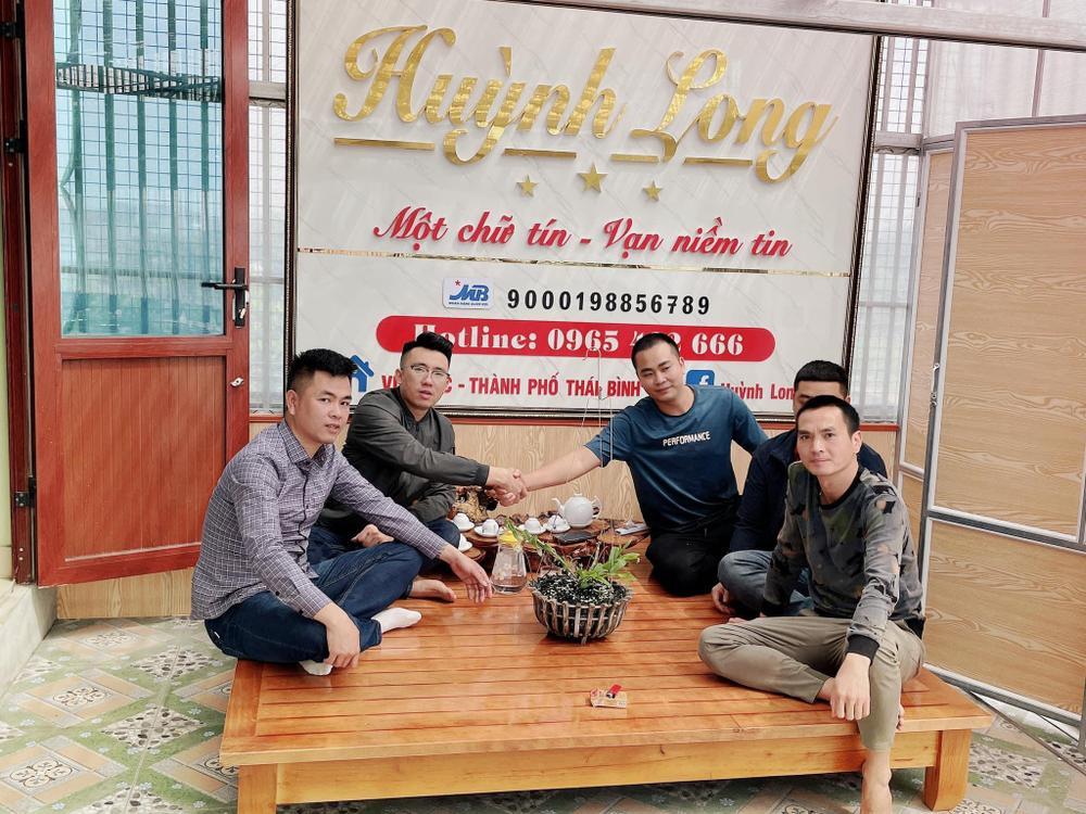 Ông chủ vườn lan Huỳnh Long và mối cơ duyên đặc biệt với hoa lan Ảnh 1