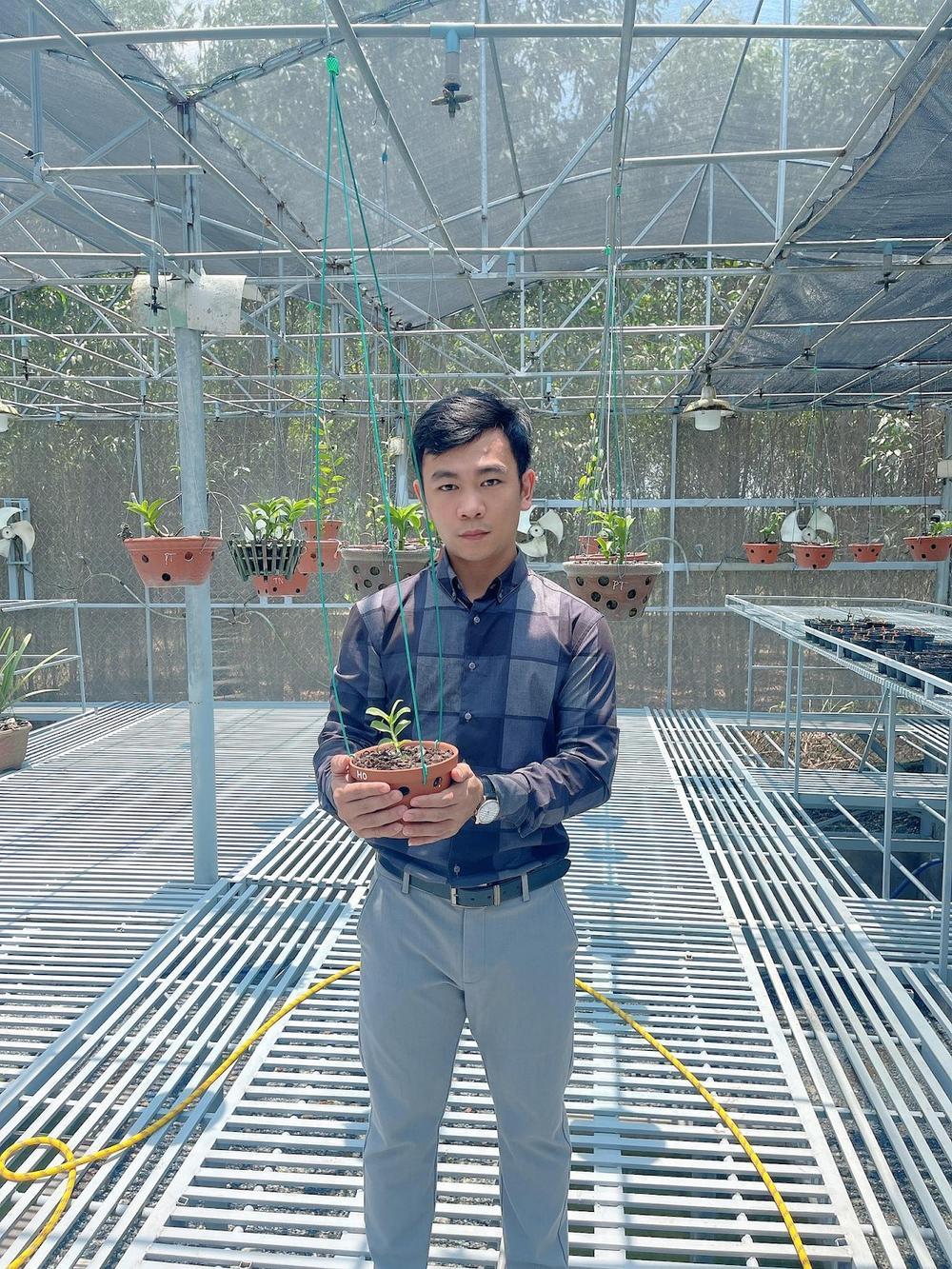 Nghệ nhân hoa lan Trần Quốc Hoà: Hành trình khởi nghiệp thành công đến từ niềm đam mê mãnh liệt với hoa lan Ảnh 1