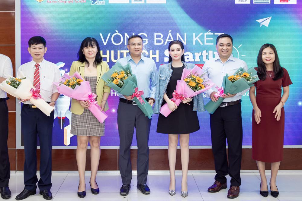 Doanh nhân Võ Thị Ngọc Huyền đảm nhận vai trò giám khảo cuộc thi HUTECH Startup Wings 2021 Ảnh 6