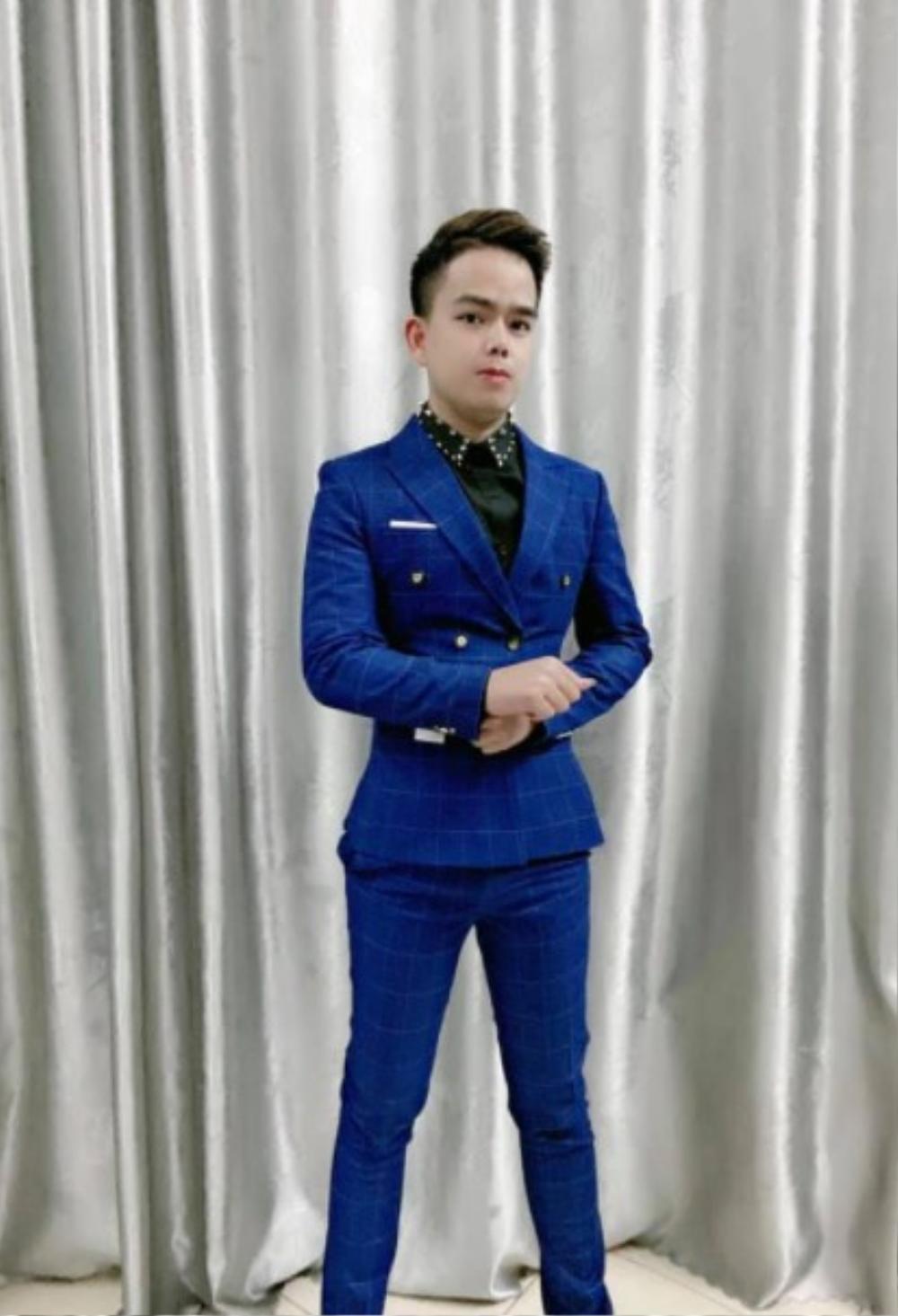 Phong Huy: cầu nối từ sóng livestream 'bùng cháy' niềm đam mê với ca hát và sáng tác Ảnh 3