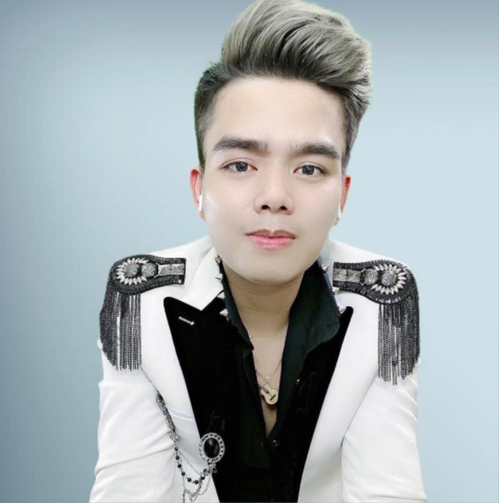 Phong Huy: cầu nối từ sóng livestream 'bùng cháy' niềm đam mê với ca hát và sáng tác Ảnh 5