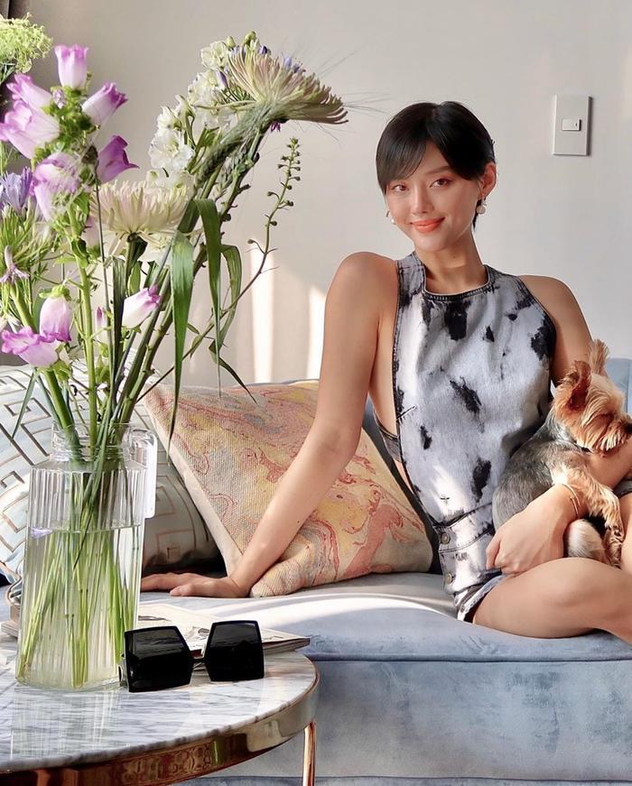 Dàn mỹ nhân Việt khoe khéo eo thon trong kiểu pose tưởng đơn giản nhưng lại thần thái không ngờ này Ảnh 7