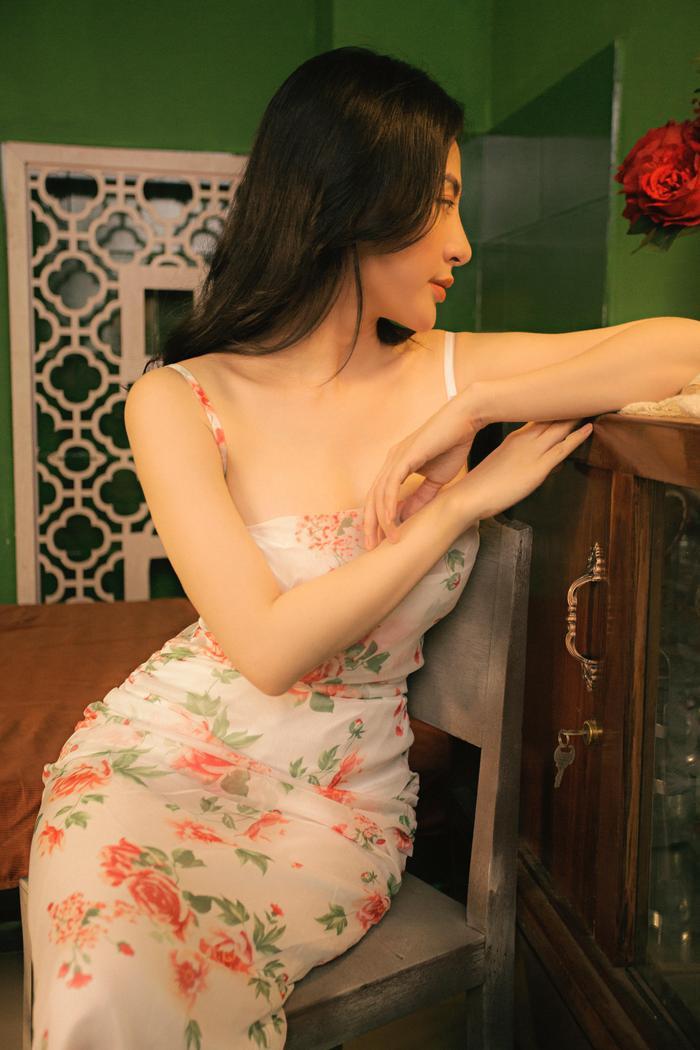 Dàn mỹ nhân Việt khoe khéo eo thon trong kiểu pose tưởng đơn giản nhưng lại thần thái không ngờ này Ảnh 4