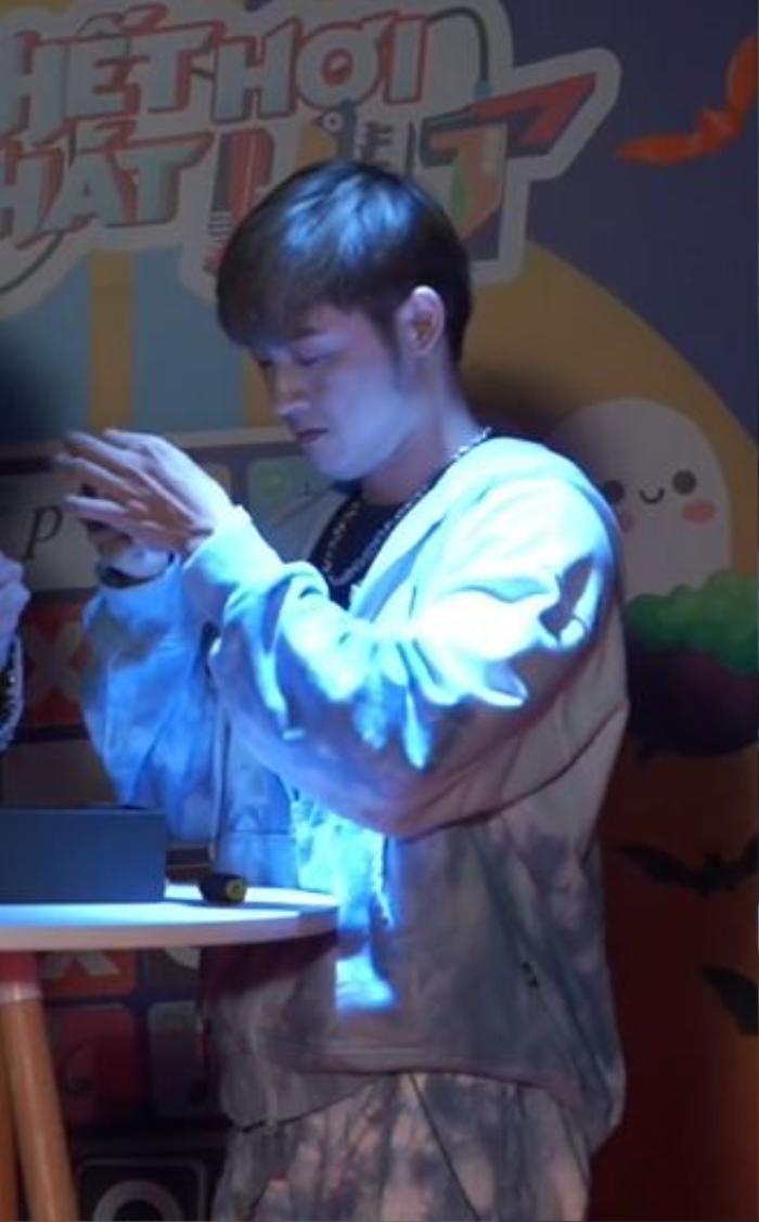 Hết hơi hát hit: Thanh Duy khiến MisThy và Di Di xanh mặt khi hát 'Chúc bé ngủ ngon' phiên bản... kinh dị Ảnh 14