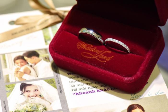 Đông Nhi – Ông Cao Thắng chia sẻ kỷ niệm một năm về chung nhà bên chiếc nhẫn cưới Wedding Land Ảnh 3