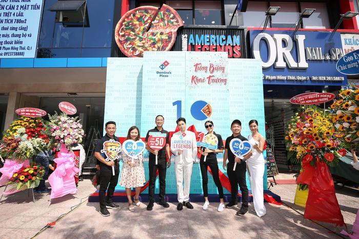 Sau chung kết Rap Việt, Karik trở thành 'Hoàng tử pizza' khuấy động buổi khai trương cửa hàng thứ 50 - Domino's Phạm Hồng Thái Ảnh 2