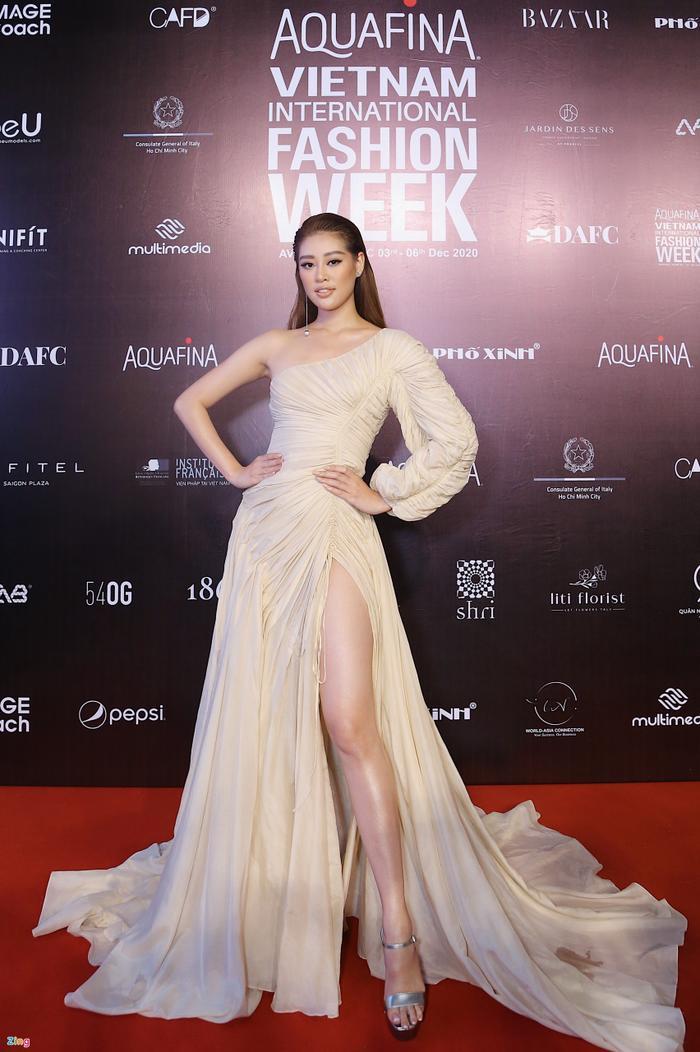 Hoa hậu Tiểu Vy và dàn mỹ nhân đọ vẻ gợi cảm trên thảm đỏ Ảnh 13