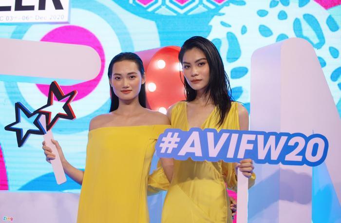 Hoa hậu Tiểu Vy và dàn mỹ nhân đọ vẻ gợi cảm trên thảm đỏ Ảnh 5