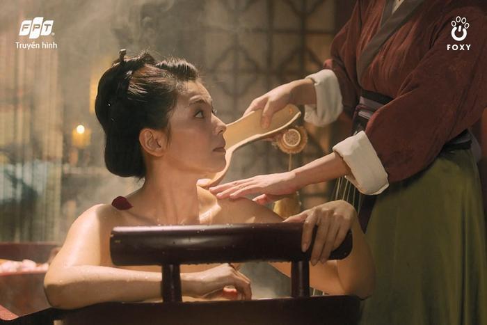 Hội chị đẹp 'tứ tuần' chẳng ngại 'cưa sừng làm nghé' trong phim cổ trang
