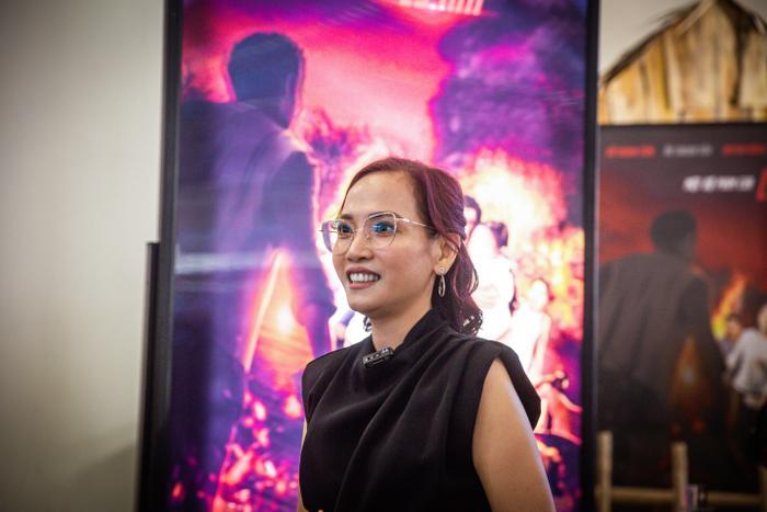 Poster tranh 3D giúp 'Lật mặt: 48H' của Lý Hải thắng lớn về doanh thu ra sao? Ảnh 3