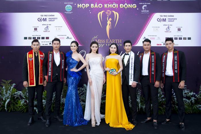 Hoa hậu Huỳnh Thuý Anh đẹp tỏa sáng tại họp báo Miss Earth Việt Nam 2021 Ảnh 9