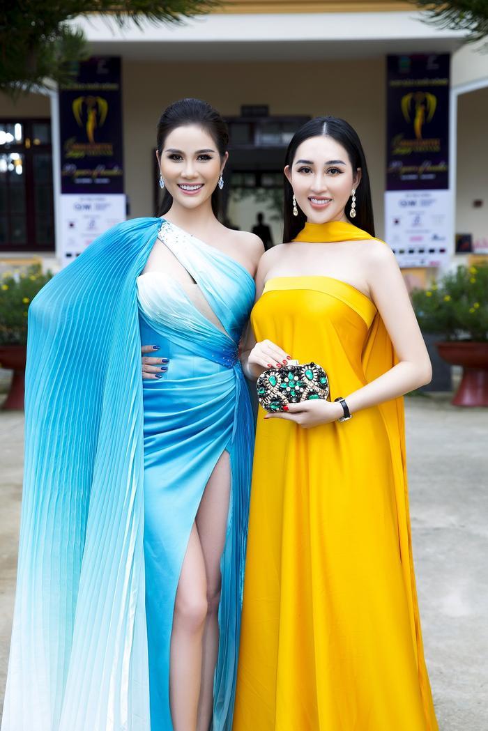 Hoa hậu Huỳnh Thuý Anh đẹp tỏa sáng tại họp báo Miss Earth Việt Nam 2021 Ảnh 4
