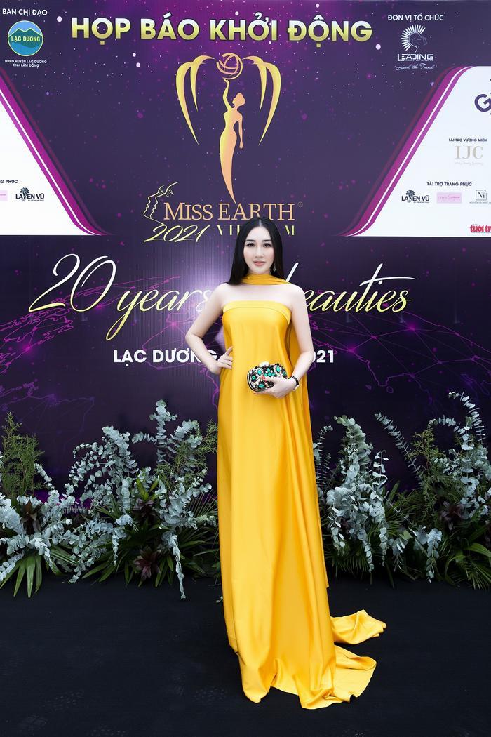 Hoa hậu Huỳnh Thuý Anh đẹp tỏa sáng tại họp báo Miss Earth Việt Nam 2021 Ảnh 1