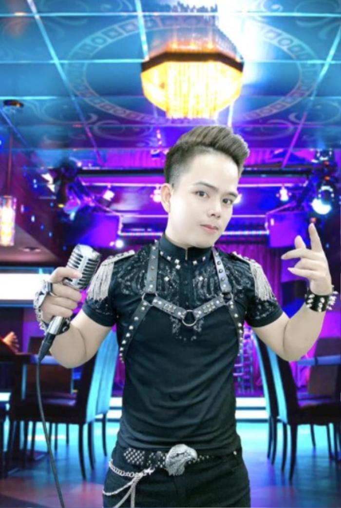 Phong Huy: cầu nối từ sóng livestream 'bùng cháy' niềm đam mê với ca hát và sáng tác Ảnh 2