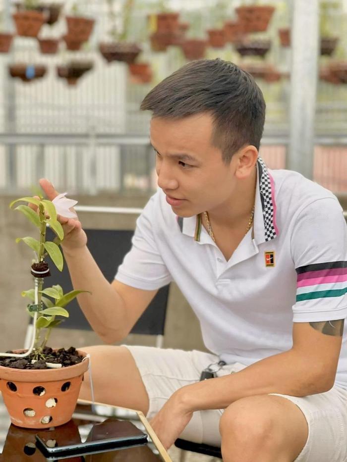 Nghệ nhân Vũ Đức chia sẻ những mẹo cần biết khi chăm sóc hoa lan Ảnh 5
