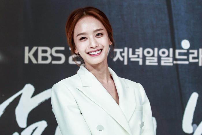 Dưỡng da 'hack tuổi' như diễn viên Park Jung Ah, chịu khó sử dụng 28 ngày là thấy rõ hiệu quả Ảnh 1