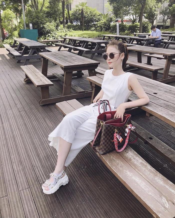 Chiêm ngưỡng nhan sắc ngọt ngào, trẻ trung của hotgirl 9X Nguyễn Hoàng Mai Ly Ảnh 9
