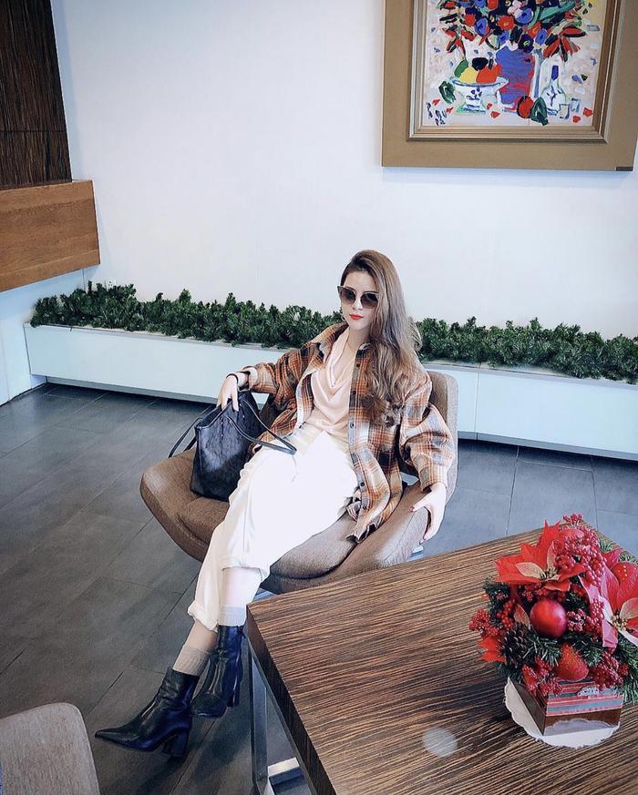Chiêm ngưỡng nhan sắc ngọt ngào, trẻ trung của hotgirl 9X Nguyễn Hoàng Mai Ly Ảnh 3