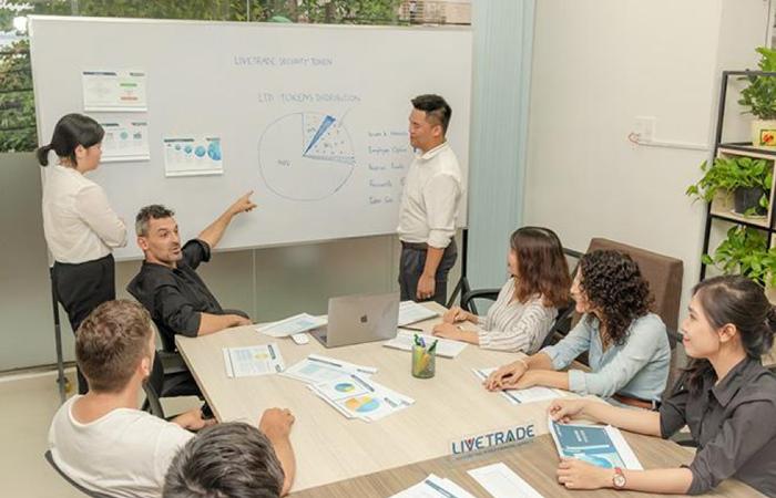 CEO Lê Phạm: Thành công khi khởi nghiệp với công ty môi giới chứng khoán Ảnh 4