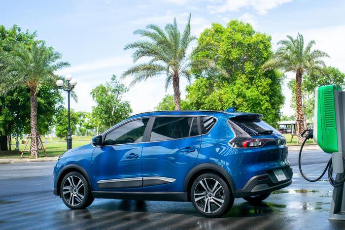 Suất đặt cọc ô tô điện VinFast VF e34 trở thành 'hàng hot' trên thị trường Ảnh 2